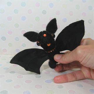 Bat f (Large)