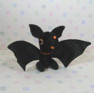 Bat d (Large)