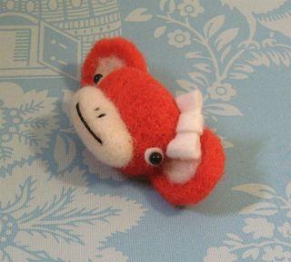 Monkey pins 016 (Large)